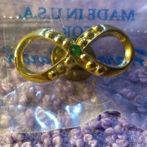 Vintage Harriet Carter Emerald/Gold Infinity Pin